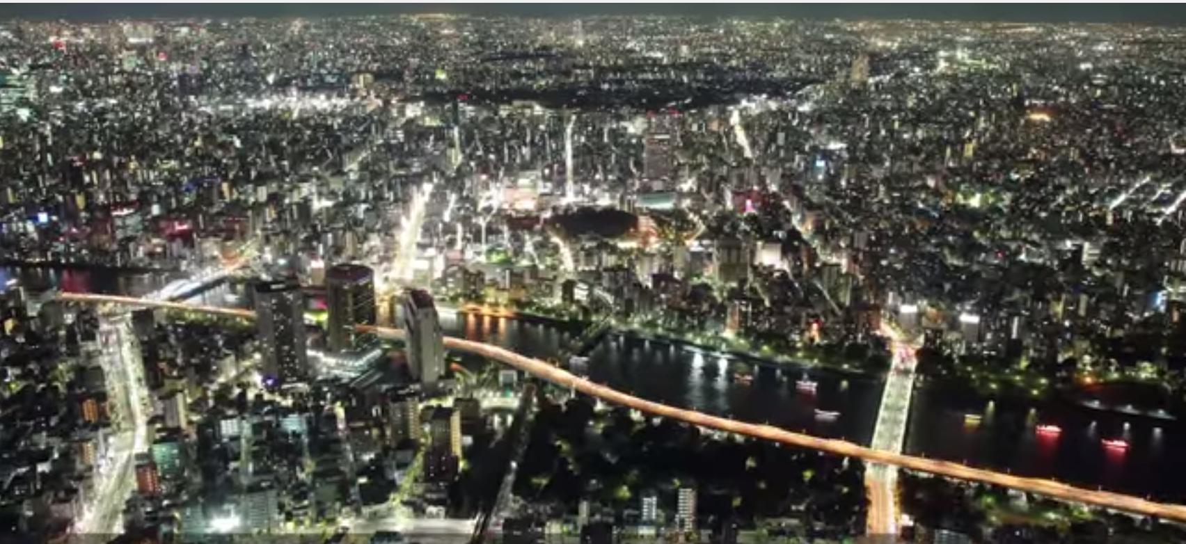 【海外の反応】東京スカイツリーの展望台から撮った素晴らしい夜景に感動!