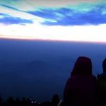 【海外の反応】「富士山に登ってみたくなった」富士山の登山風景からご来光まで